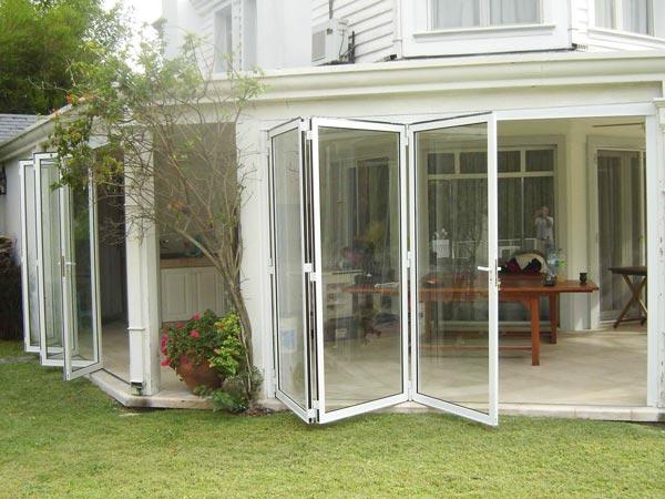Solarium cerramientos cerramientos de piscina techo for Cerramientos de jardines fotos